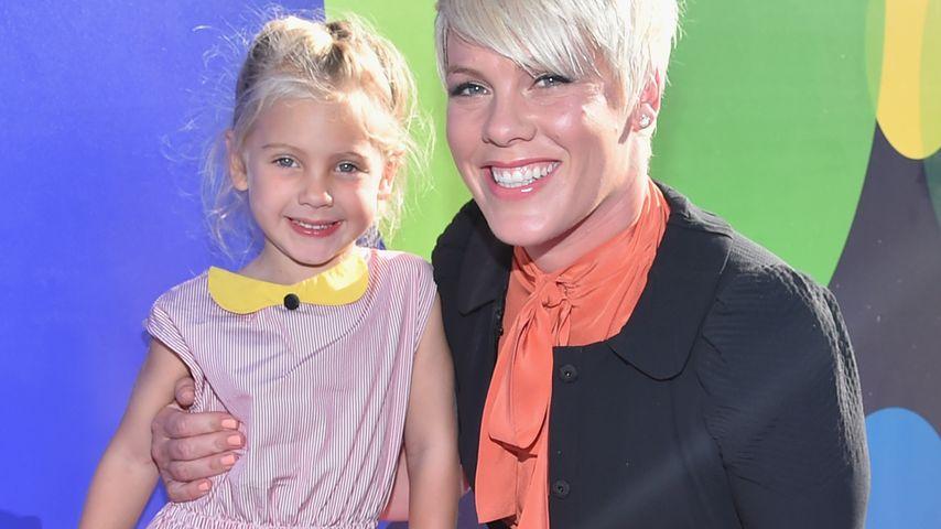 Premiere! Pinks Tochter Willow (4) erstmals auf Red Carpet