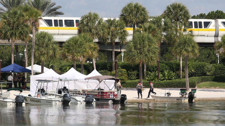 Polizeisuche am Strand des Disney Resorts