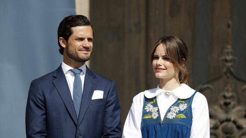 Prinz Carl Philip und Prinzessin Sofia bei einem Fest in Schweden