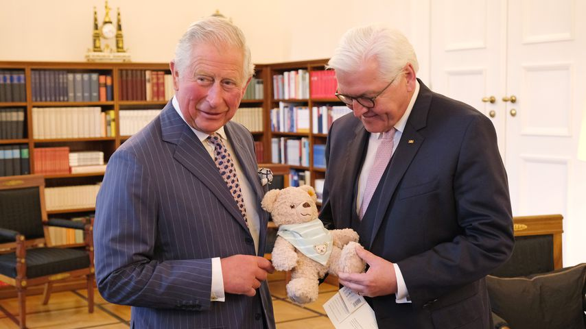Prinz Charles & Camilla in Berlin: Teddy für Enkel Sussex!