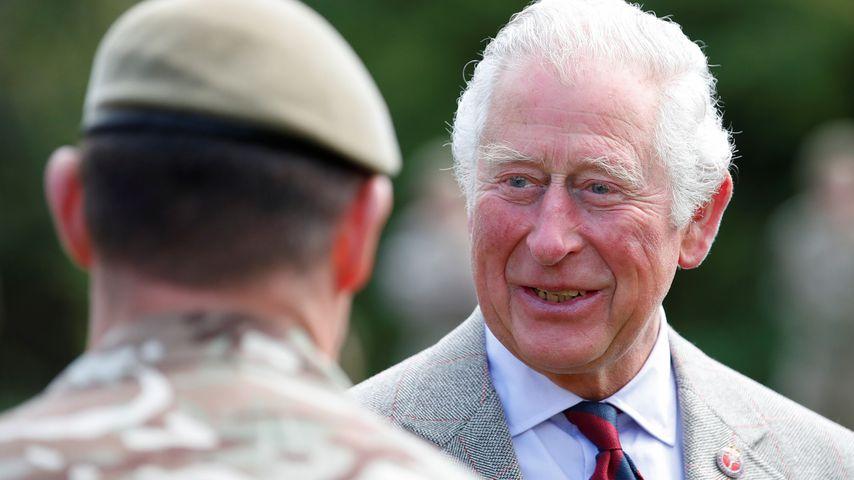 Prinz Charles während seines Besuchs der Combermere Baracken, Mai 2021