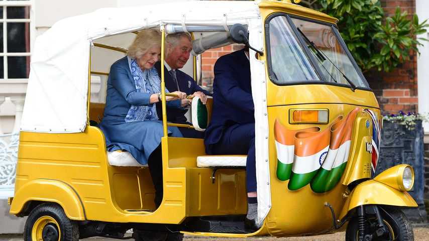 Royales Rennen: Prinz Charles & Camilla fahren Tuk Tuk