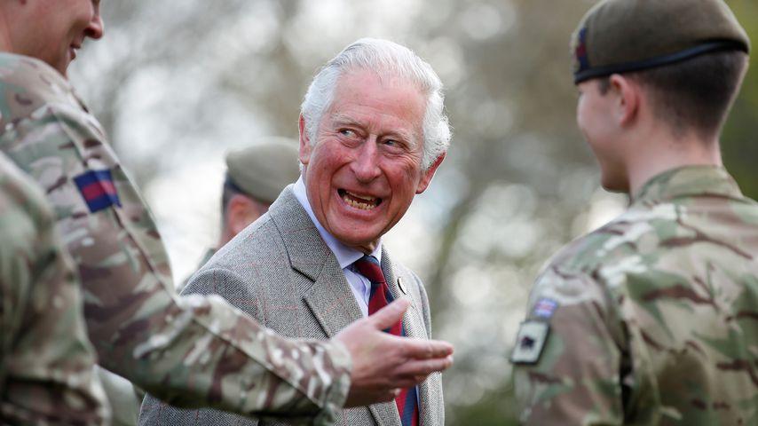 Erster Termin nach Philips Beerdigung: Prinz Charles strahlt