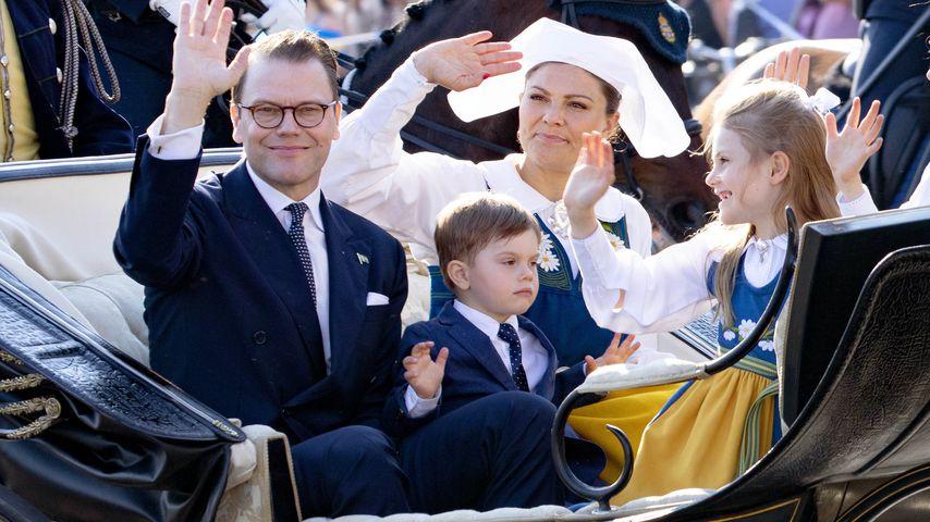 Prinz Daniel, Prinzessin Victoria mit ihren Kindern Estelle und Oscar im Juli 2019