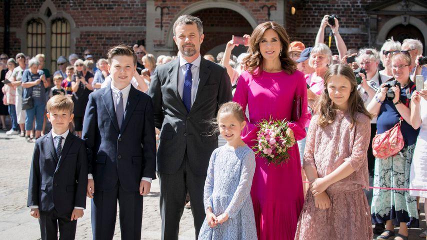 Prinz Frederik von Dänemark mit seiner Familie