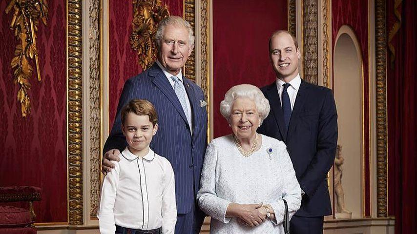 Prinz George, Prinz Charles, Queen Elizabeth II. und Prinz William