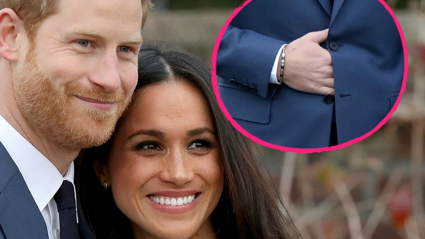 """Bei Verlobung: Prinz Harry wieder mit """"geheimer Hand-Geste""""!"""