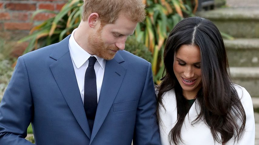Prinz Harry und Meghan Markle in den Sunken Gardens im Kensington Palace London