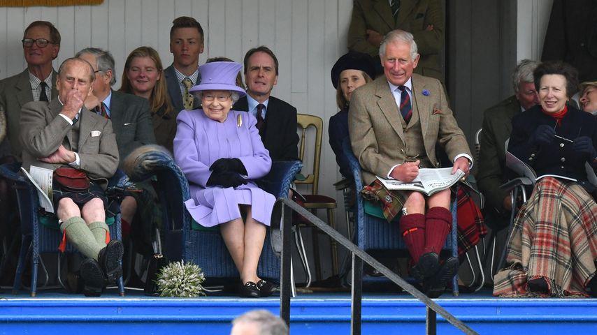 Prinzessin Anne, Königin Elizabeth II., Prinz Philipp und Prinz Charles