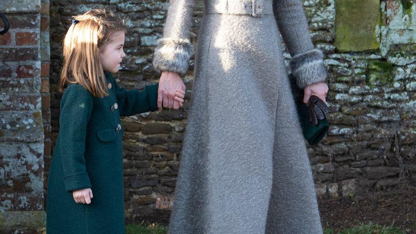 Prinzessin Charlotte mit ihrer Mama Herzogin Kate
