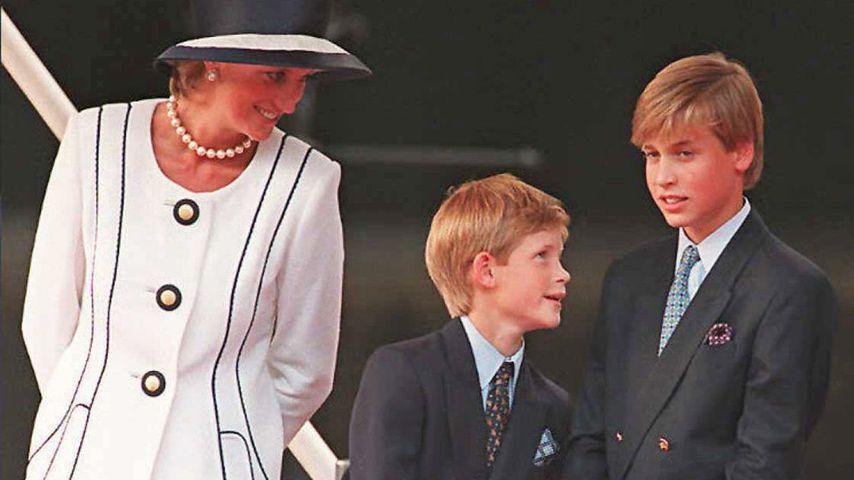 Prinzessin Diana mit ihren Söhnen Harry und William, 1995