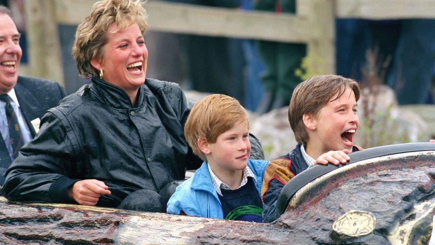 Royale Kicker: Prinz William & Harry schwitzen zu X-Mas!