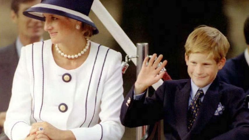 Prinzessin Diana und Prinz Harry im August 1995 in London