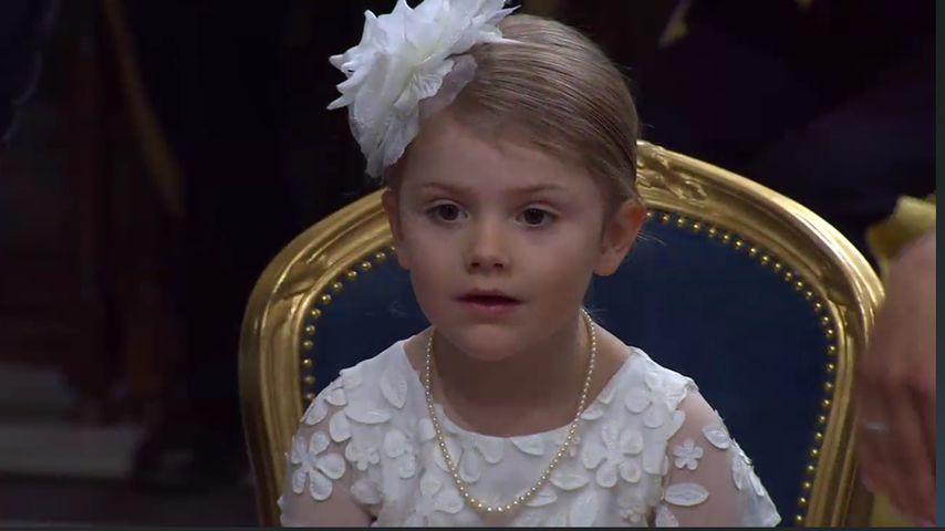 Schweden-Taufe: Prinzessin Estelle als putzige Lady!