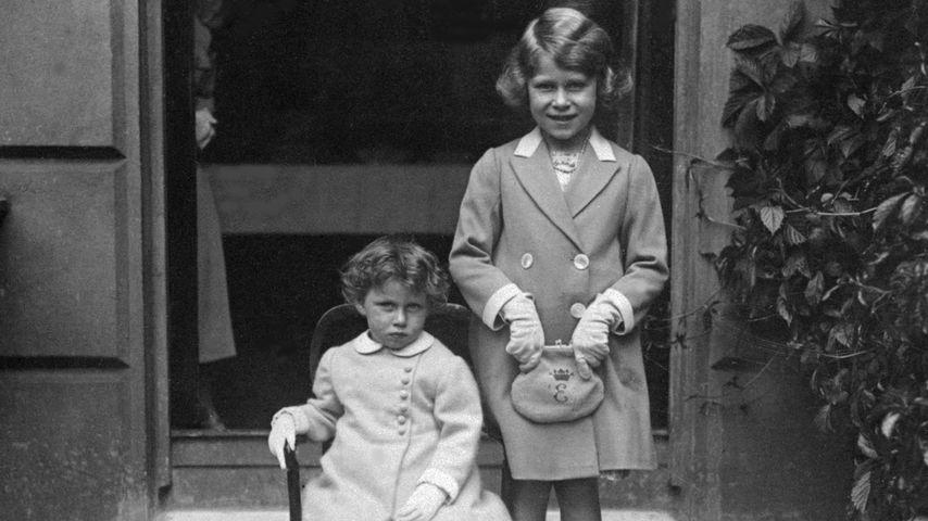 Prinzessin Margaret und Queen Elizabeth 1933
