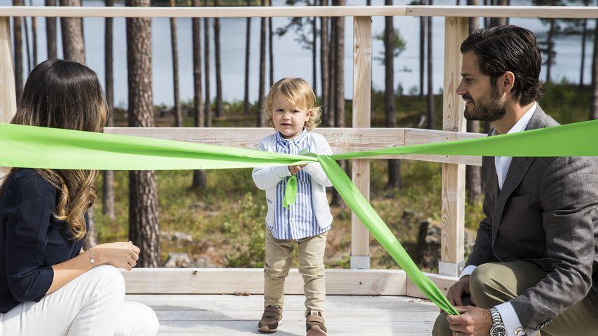 Prinzessin Sofia und Prinz Carl Philip mit ihrem Sohn Prinz Alexander im Nynäs Naturreservat