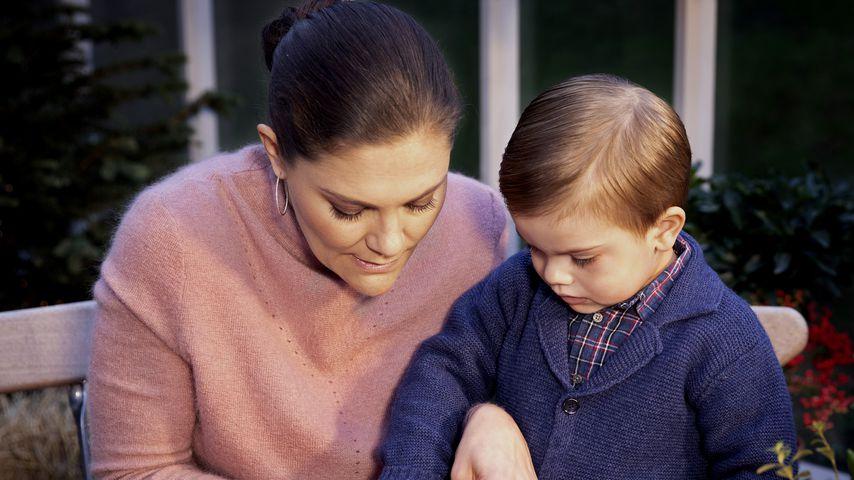 Prinzessin Victoria und Söhnchen Oscar beim Weihnachtsvideo 2018