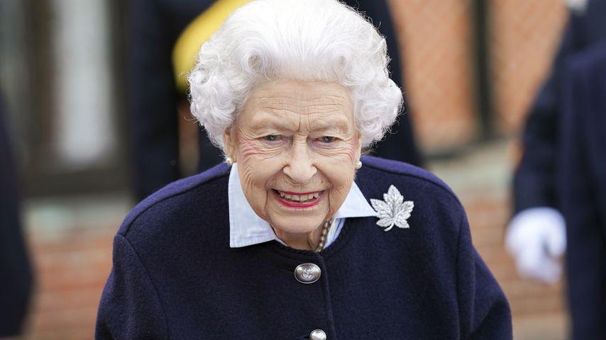 Gut gelaunt: Queen Elizabeth strahlt auf öffentlichem Event