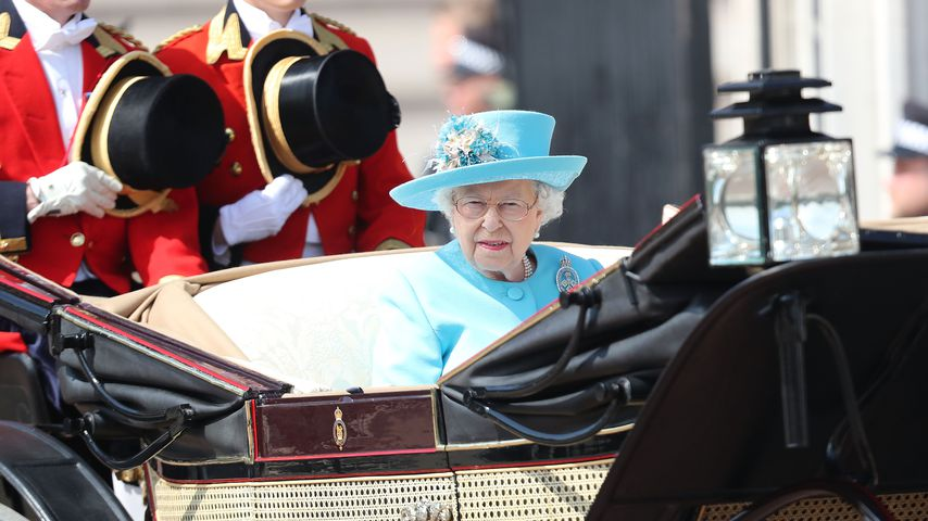 Queen Elizabeth II. bei der Parade Trooping the Colour in London