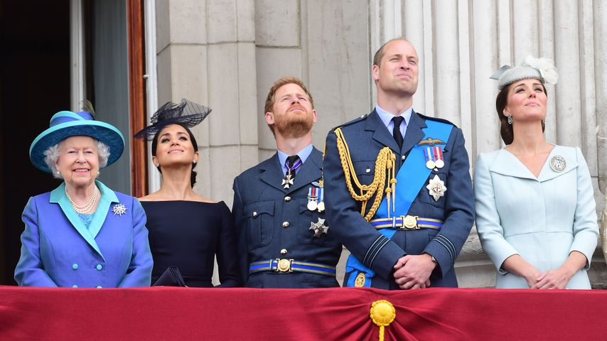 Queen Elizabeth II., Herzogin Meghan, Prinz Harry, Prinz William und Herzogin Kate im Juli 2018