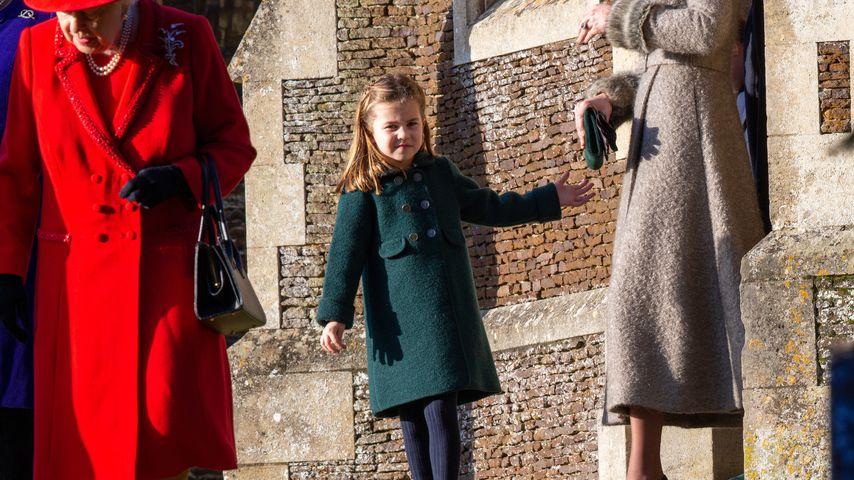 Queen Elizabeth II., Prinzessin Charlotte an der St. Mary Magdalena Kirche in Sandringham