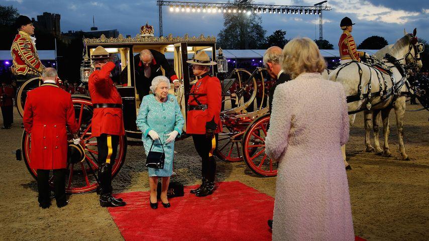 So amused zum Neunzigsten: Elizabeth II. ist die Party-Queen