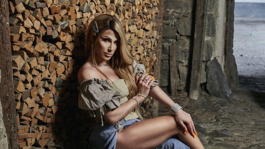 """Queen of Drags""-Siegerin Yoncé Banks bei ""Die Alm"""