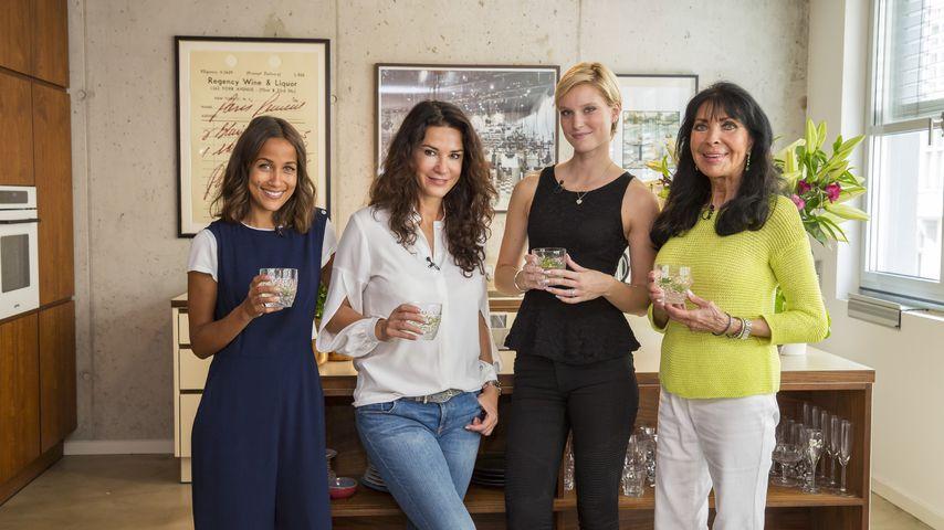 """Rabea Schif, Mariella Ahrens, Kim Hnizdo und Dunja Rajter bei """"Promi Shopping Queen"""""""