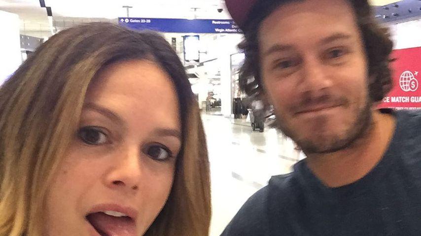 Rachel Bilson und Adam Brody im August 2019