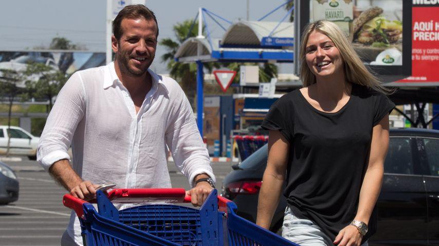 Happy! Rafael van der Vaart & Estavana strahlen um die Wette