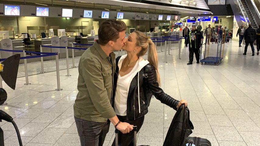 Raúl Richter und Vanessa Schmitt am Flughafen Frankfurt, Janaur 2020