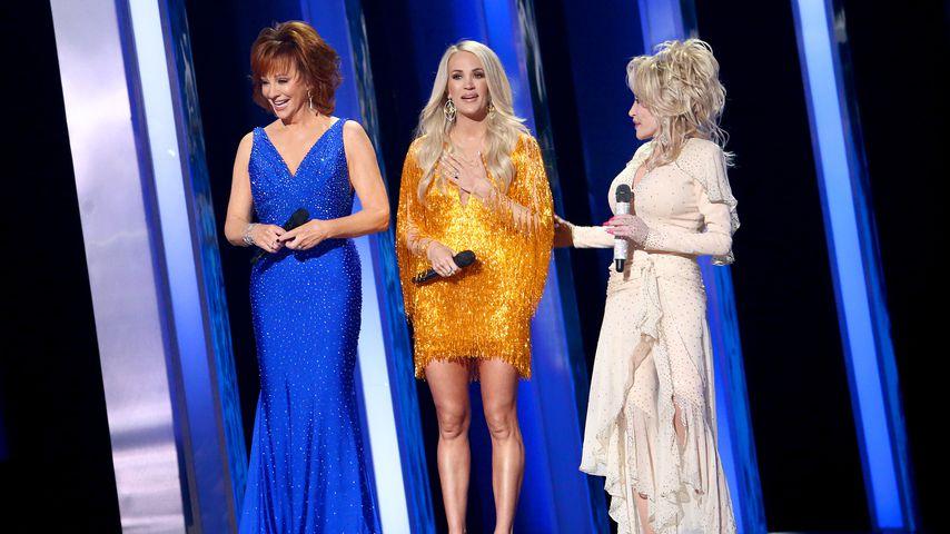 Reba McEntire, Carrie Underwood und Dolly Parton bei den CMA Awards 2019