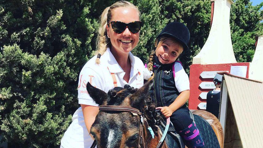 Rebecca Kratz und ihre Tochter Alaia