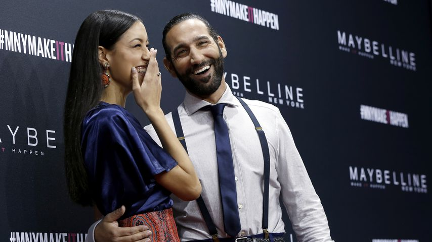 "Rebecca Mir & Massimo Sinato bei der ""The Power Of Colors - MAYBELLINE New York Make-Up Runway""-Show"