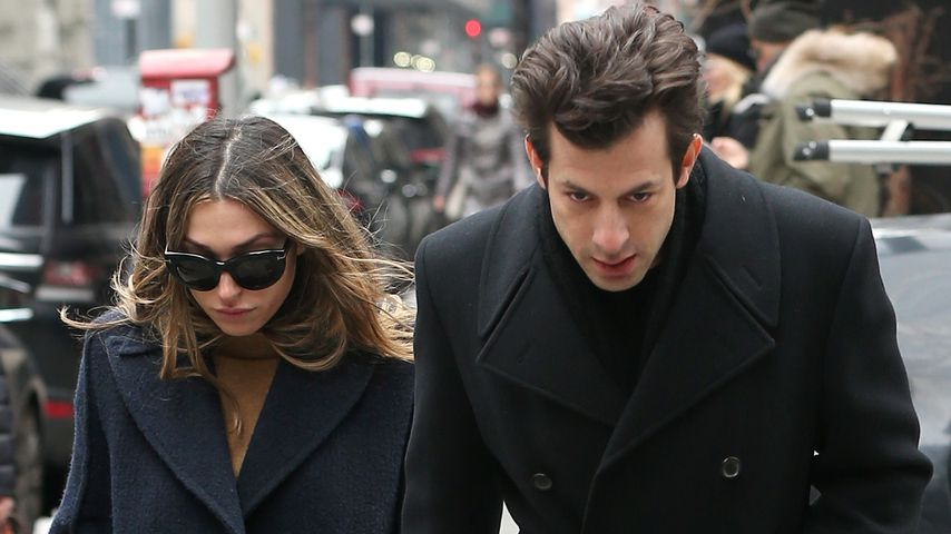 Rebecca Schwartz und Mark Ronson in New York City