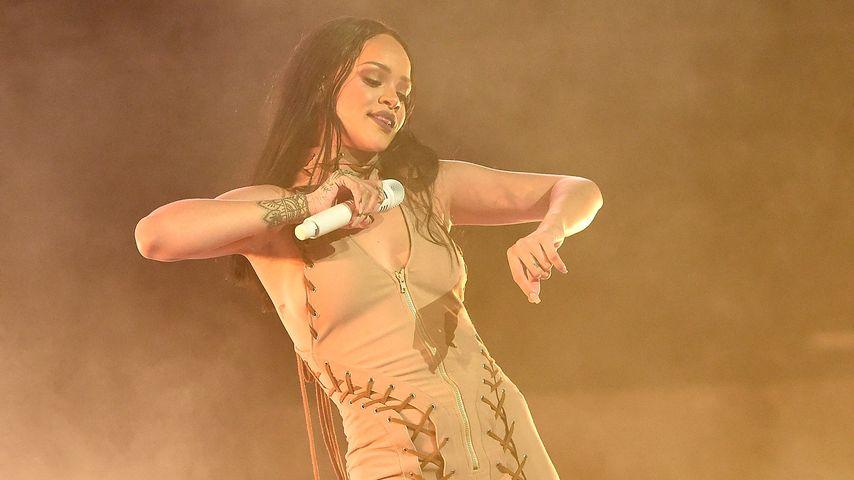 """Tolle Geste! Rihanna lässt ihre Fans """"nicht im Regen stehen"""""""