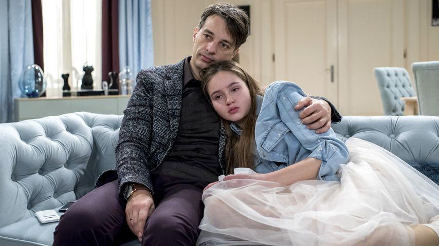 "Robert (Lorenzo Patané, l.) und Tochter Valentina (Paulina Hobratschk, r.) bei ""Sturm der Liebe"""