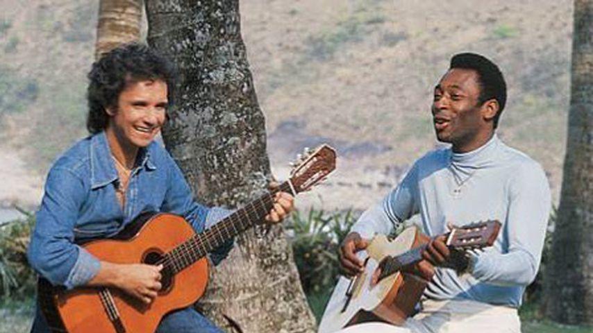 Roberto Carlos und Pelé in jüngeren Jahren