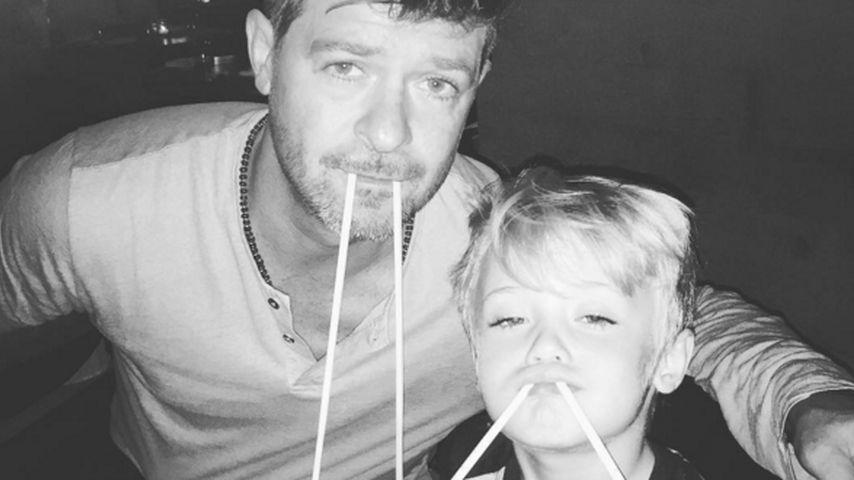 Walross-Alarm: Robin Thickes Stäbchen-Spaß mit seinem Sohn