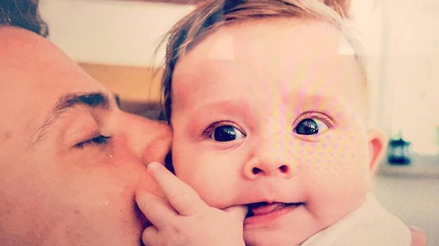 Zuckersüßes Baby-Foto: Rocco Stark zeigt Amelias Gesichtchen