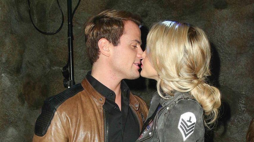 Rocco Stark und Angelina Heger bei einer Party in Berlin