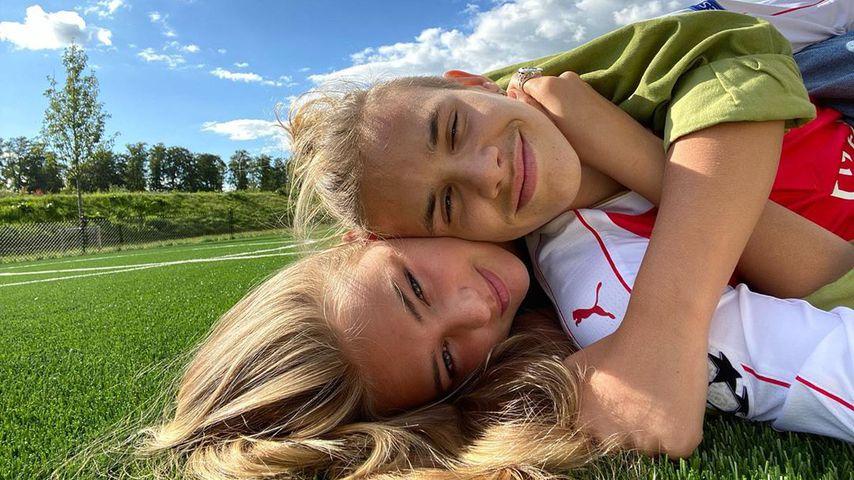 Romeo Beckham und Mia Regan im Juli 2020