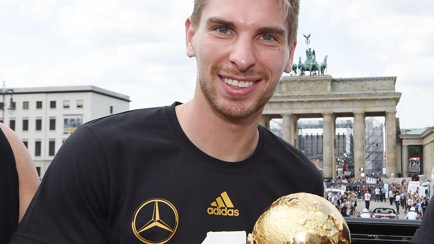 WM-Liebes-Fluch: Robert Zieler ist wieder solo!