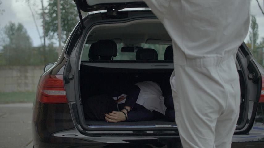 Rosa Lehmann (Joana Schümer) bei einer Entführungs-Szene bei GZSZ