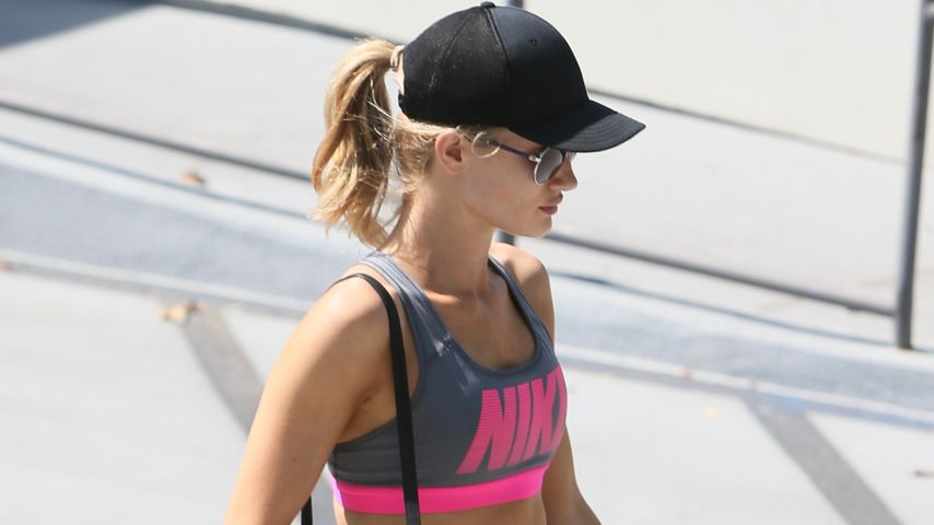 Rosie Huntington-Whiteley in Los Angeles
