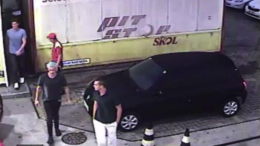 Ryan Lochte, Gunnar Bentz, Jack Conger and Jimmy Feigen auf einem Überwachungsvideo