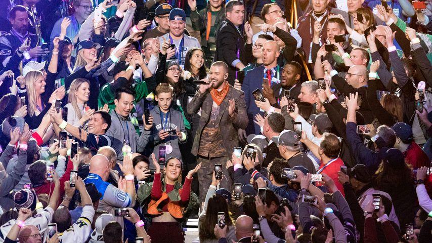 Ryan McKenna und Justin Timberlake beim Super Bowl