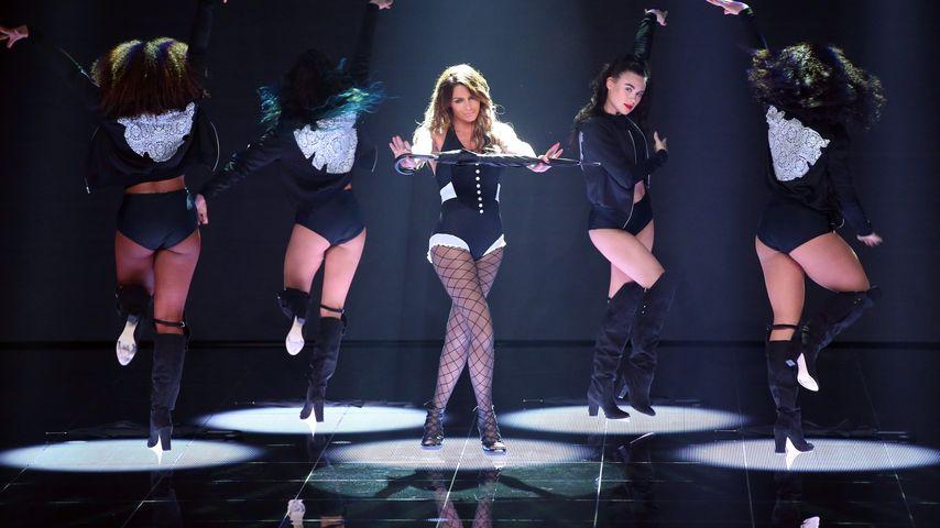 """Sabia Boulahrouz bei ihrem ersten Solo-Auftritt für """"Dance Dance Dance"""""""