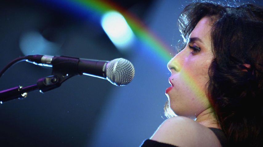 Sängerin Amy Winehouse bei einem Gig in London 2004