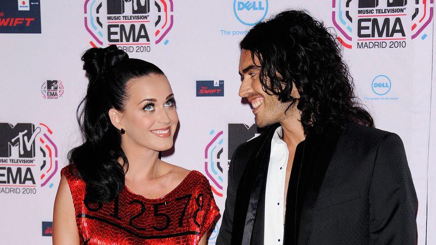 Sängerin Katy Perry und Russel Brand auf dem roten Teppich